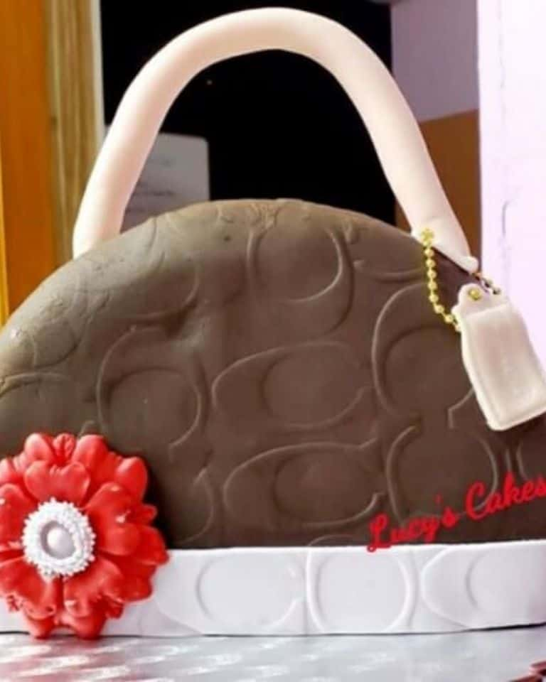 Lucy's Cakes & Crumbs - Coach Bag