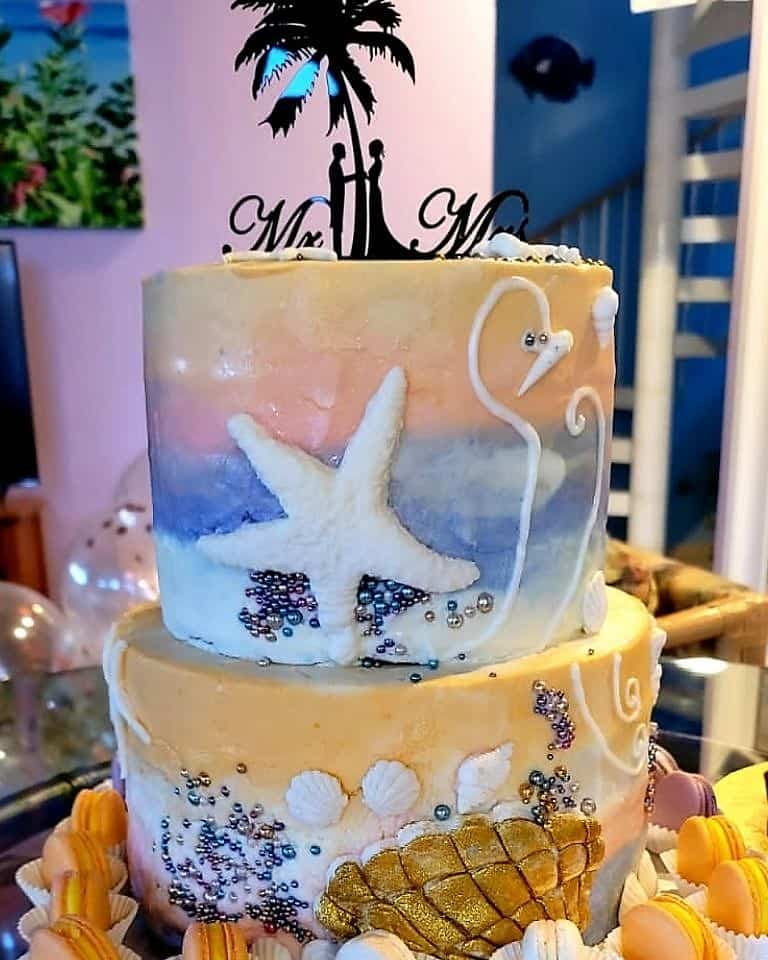 Lucy's Cakes & Crumbs - Mr & Mrs
