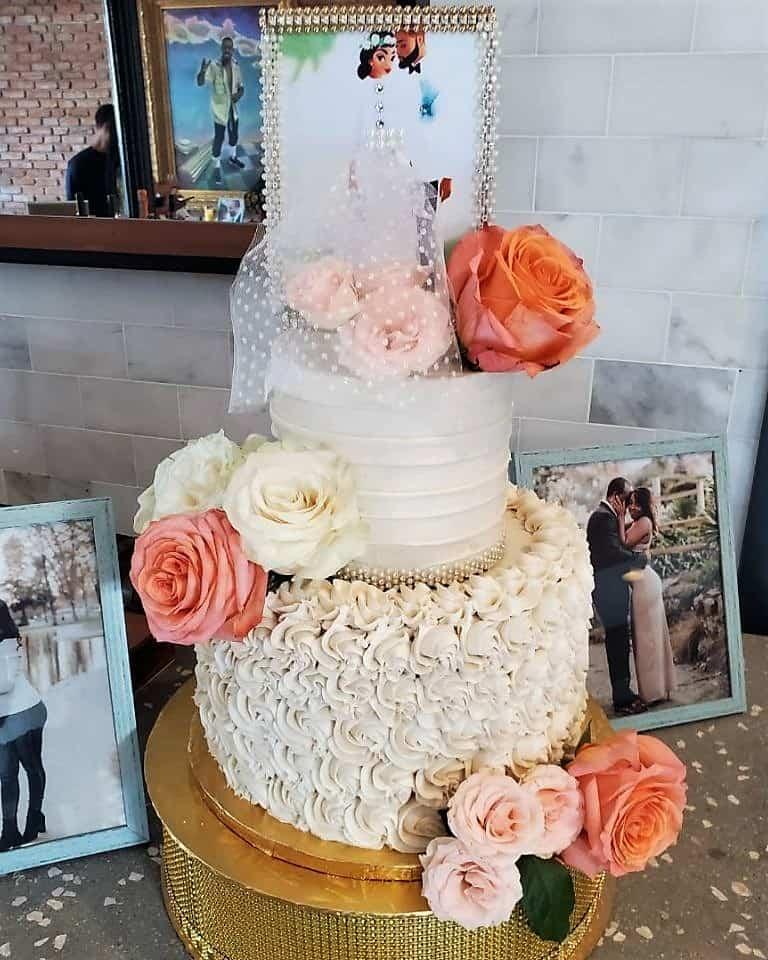 Lucys Cakes & Crumbs - Orange White Roses