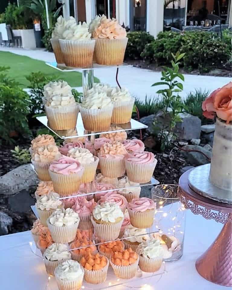 Lucy's Cakes & Crumbs - Peach Cream Cupcakes