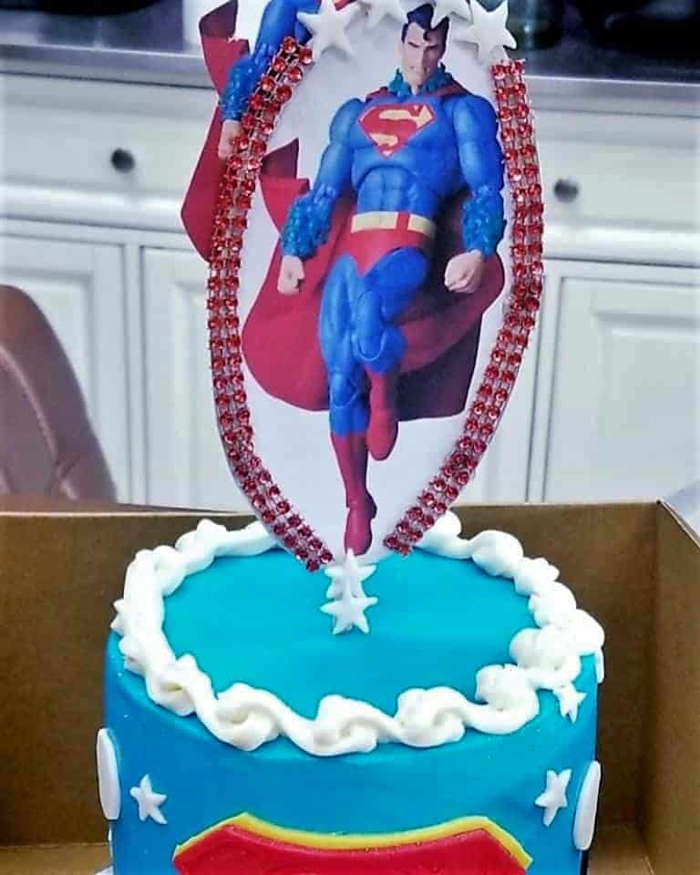 Lucy's Cakes & Crumbs - Superman