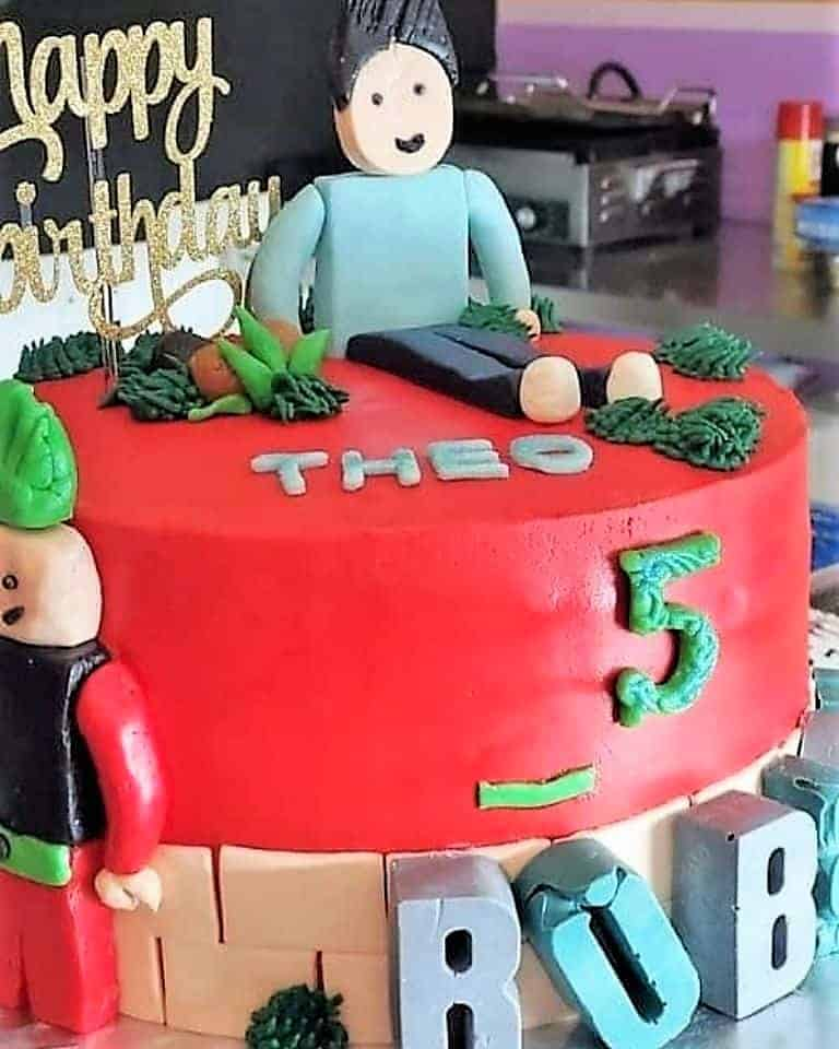 Lucy's Cakes & Crumbs - Theo