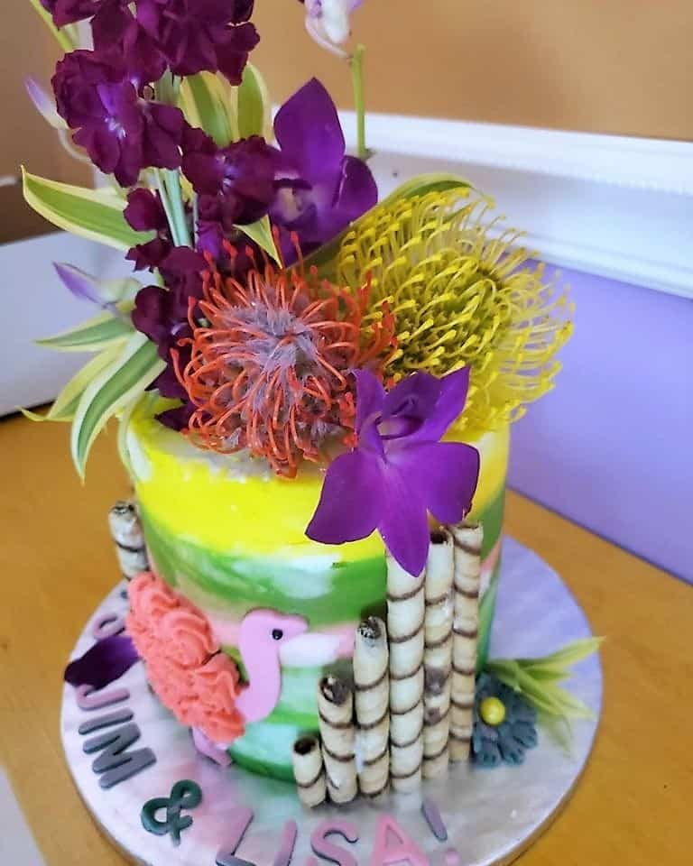 Lucy's Cakes & Crumbs - Tropical