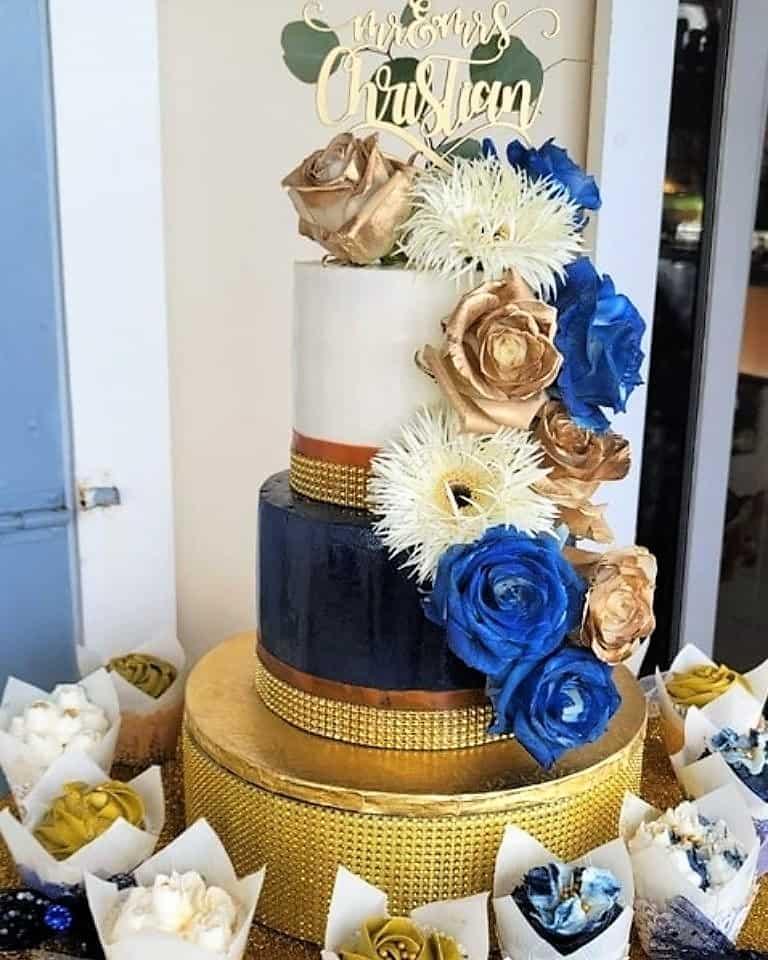 Lucy's Cakes & Crumbs - Wedding Cake Blue Bronze