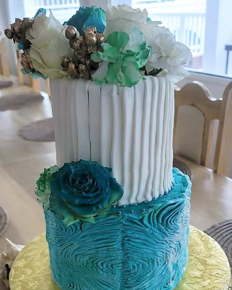 Lucy's Cakes & Crumbs - Wedding Cake Blue Theme