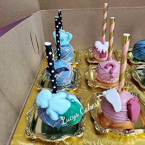 Lucy's Cakes & Crumbs - PurpleFoot