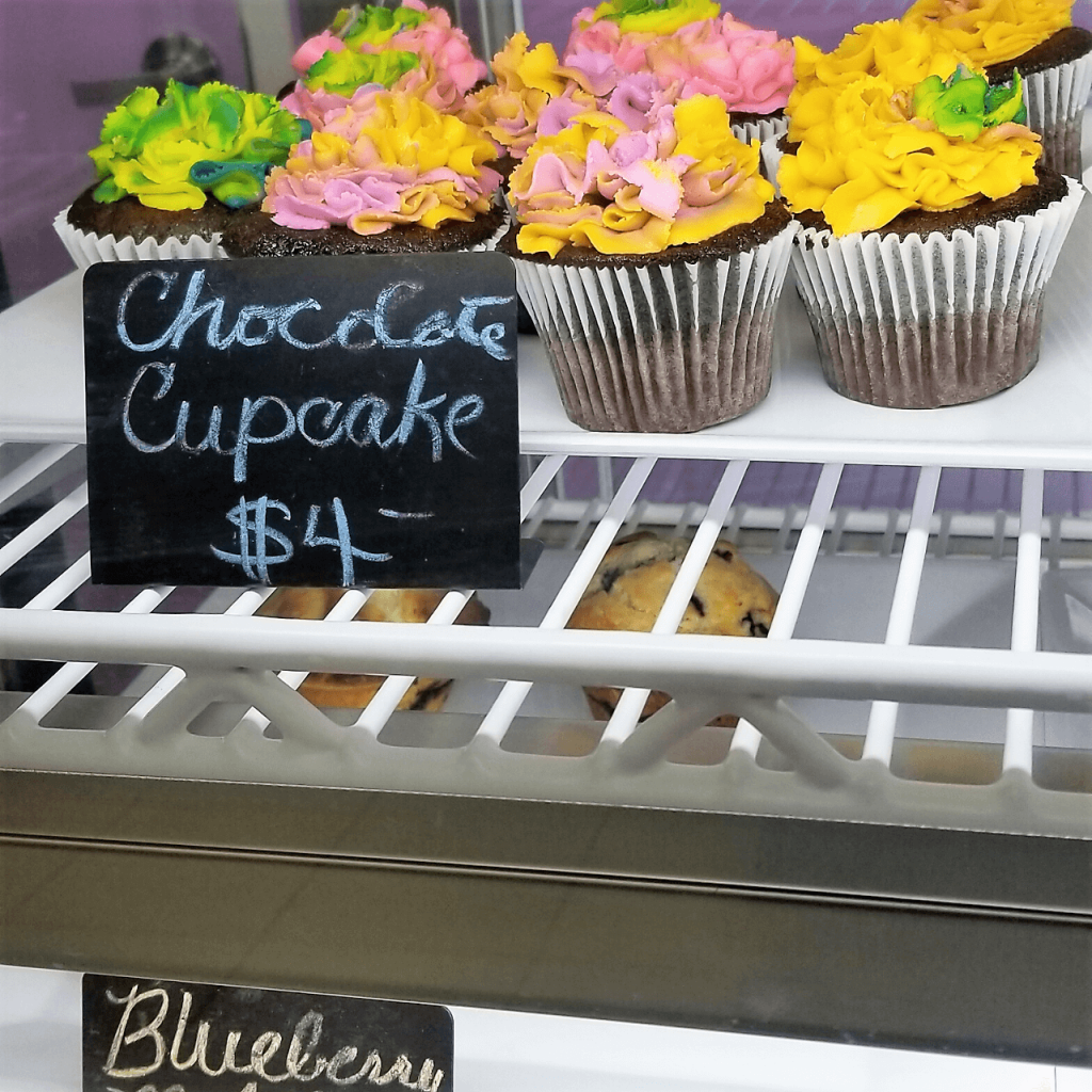 Lucy's Cakes & Crumbs - Cafe