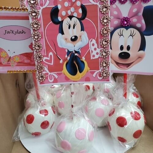 Lucy's Cakes & Crumbs - Apple Minnie