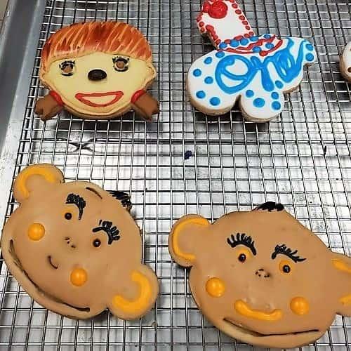 Lucy's Cakes & Crumbs - Monkey